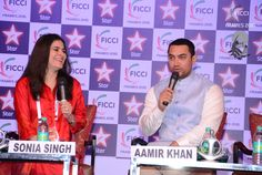 #highlightreel – Aamir Khan & Sonia Singh sharing a candid moment at the FICCI Frames '15 inaugural. Change or Perish -  #ficciframes16