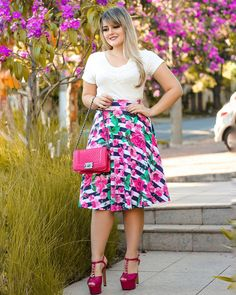 Skirt Outfits, Dress Skirt, Midi Skirt, Curvy Fashion, Plus Size Fashion, Estilo Lady Like, Only Shirt, Curves, Fancy