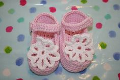 Baby crochet girl sandals booties shoes hand made baby girl clothes pink white luxury Bamboo 3 to 6/9 months on Etsy, $14.30