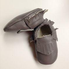 mocassins cuir bébé frangés gris