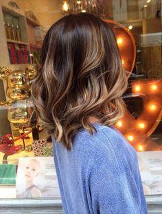 Coupe de l'épaule-coupe de cheveux-avec-brown-couches