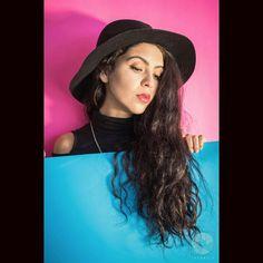#Sesión de #fashion y #retrato con una excelente #modelo @pilazuribe :) gracias ------------------------------------------------ #RValenciaFotografo #fotografia #retrato #color  #cool #artistic #photography #Sony #soysony #artistico #Toluca #Metepec #pink #blue