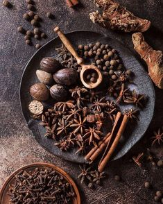 Some methods of cooking are doable by even the most clueless chef, wh Indian Food Recipes, Asian Recipes, Sauce Pesto, Dark Food Photography, Spices And Herbs, No Cook Meals, Food Styling, Food Art, Herbalism