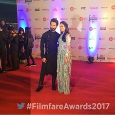 How Many likes for this Beautiful Jodi of #ShaMira s they look super stylish on the red carpet of #filmfareawards2017 @BOLLYWOODREPORT ❤❤! #ShahidKapoor #mirakapoor #MiraRajput #Misha #Mishakapoor #bollywood #stylefile #redcarpet #filmfare #awards #2017