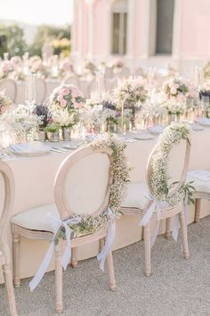 superbe chaise pour une décoration gothique romantique tous