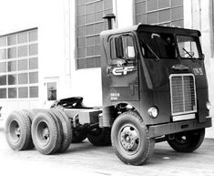 Freightliner cab over Old Pickup Trucks, Mack Trucks, Big Rig Trucks, Tow Truck, Semi Trucks, Cool Trucks, Truck Transport, Freightliner Trucks, Freight Truck