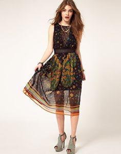 midi dress with cross-back!