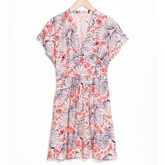 Thanks to Realisation Par this was the summer of the tea dress, but if you're looking to continue wearing your pretty floral piece into autumn, just add a cool-girl jacket to embrace the season's edgier vibe. Leather or denim, a cropped extra layer is all you need to breathe new life into the feminine dress.