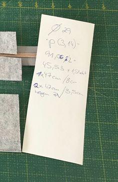 Trendy circle bag zelf naaien – met gratis patroon » BERNINA Blog Sewing Tutorials, Sewing Patterns, City Bag, Elmo, Diy And Crafts, Patches, Cricut, Textiles, Bags