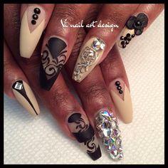Coffin nail art☻