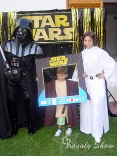 Photocall Star Wars. Animación con La Princesa Leia y Darth Vader. Eventos a domicilio, locales...en Catalunya. Star Wars 5, Tema Star Wars, Decoracion Star Wars, Star Wars Party Decorations, Aniversario Star Wars, Star Wars Classroom, Jordan 1, Star Wars Personajes, Princesa Leia