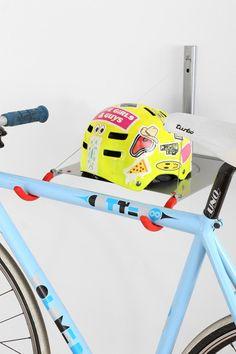 Urban bike rack coats 53 ideas for 2019 Hanging Bike Rack, Vertical Bike Rack, New Dirt Bikes, Bike Logo, Mountain Bike Helmets, Bike Illustration, Ideas Prácticas, Urban Bike, Commuter Bike