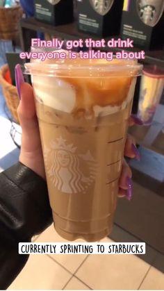 Cold Starbucks Drinks, Bebidas Do Starbucks, Starbucks Smoothie, Starbucks Pink Drink Recipe, Healthy Starbucks, Starbucks Frappuccino, Starbucks Iced Coffee, Starbucks Secret Menu Drinks, How To Order Starbucks