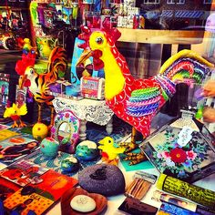 Funky fairtrade roosters handicrafted in Mexico