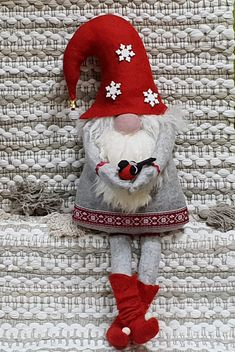 Diy Christmas Gifts For Kids, Felt Christmas, Holiday Crafts, Christmas Knomes, Felt Tree, Tree Toppers, Creations, Crochet, Holidays