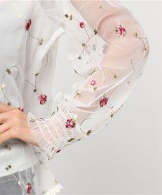 merlot plus(メルロープリュス)の刺繍シースルートップス2204(シャツ/ブラウス)|詳細画像