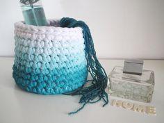 Cesto efeito ombre azul de croché - Cesto moderno e trendy croché - Croché…