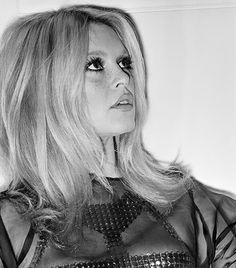 Brigitte Bardot // faux freckles and lashes