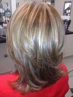 Love this look. maybe on my next visit to the salon! Haircuts For Long Hair, Short Hair Cuts, Short Hair Styles, Wavey Hair, Medium Hair Styles For Women, Cabello Hair, Medium Layered Hair, Hair Affair, Hair Highlights