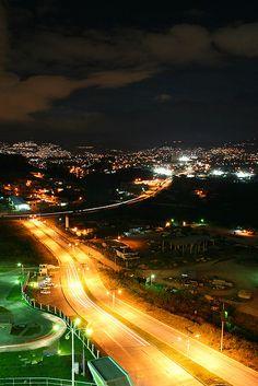 Tegucigalpa de noche, Honduras