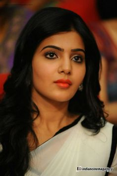 Latest HD Photos, images, HD wallpapers for mobiles # South Actress, South Indian Actress, Beautiful Indian Actress, Samantha In Saree, Samantha Ruth, Famous Indian Actors, Indian Actresses, Samantha Images, Elegant Girl