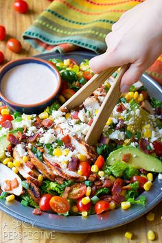 Mexican Grilled Chicken Salad: loaded with veggies and topped with spicy tomato ranch dressing. This is not your average Grilled Chicken Salad recipe! Mexican Grilled Chicken, Grilled Chicken Salad, Chicken Salad Recipes, Tostadas, Mexican Food Recipes, Dinner Recipes, Dinner Ideas, Quesadillas, Cooking Recipes