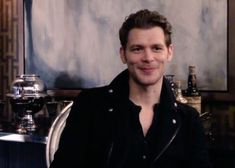 Klaus The Originals, Vampire Diaries The Originals, The Mikaelsons, Kol Mikaelson, Vampire Diaries Wallpaper, Original Vampire, Joseph Morgan, Hot Actors, White Boys