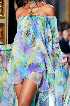 FLOW COLORS OFF SHOULDER  Emilio Pucci Spring 2012 - Details