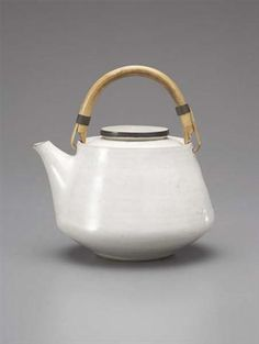 Teapot, Stoneware, white and manganese glazes, bamboo and brass handle. Pottery Teapots, Teapots And Cups, Ceramic Teapots, Ceramic Clay, Ceramic Pottery, Earthenware, Stoneware, Ceramic Tableware, Kitchenware