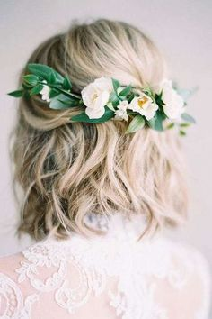 These Are The Most Stunning Short Hairstyles for Your Wedding Day: Half-Up Pinned with Flowers #weddinghairstyles