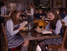Rory Gilmore has persevered by making both good decisions and bad. Here are ten important lessons we can learn about life from Rory. Private School Uniforms, Private School Girl, Rory And Logan, Team Logan, Rory Gilmore Style, Lorelai Gilmore, Studying Girl, Gilmore Girls Fashion, Glimore Girls