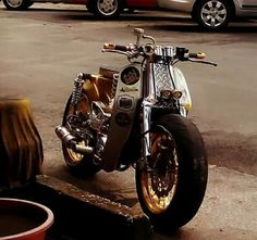 cafe racer, scrambler and modified bikes Custom Motorcycles, Cars And Motorcycles, Four Stroke Engine, Moto Car, Honda Cub, Vespa Lambretta, Mini Bike, Motorbikes, Cubs