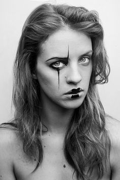 Amazing make-up art in the first issue of #VandalsMagazine