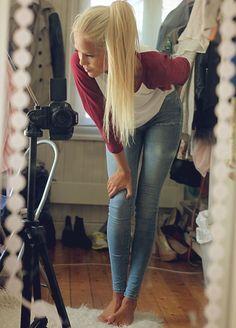 idea- light wash jeans, pony, baseball shirt