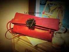 A Massa in una mattina piovosa di novembre per impostare un'altra collaborazione.  http://danielabergamino.wordpress.com/ Questa volta La borsa rossa si avvicina al mondo dell'estetica e della cosmesi.