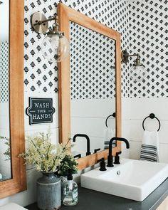 34 ideas wall wallpaper bedroom black white for 2019 Bad Inspiration, Bathroom Inspiration, Home Decor Inspiration, Wood Bathroom, White Bathroom, Bathroom Towels, Wall Paper Bathroom, Bathroom Ideas, Bathroom Designs