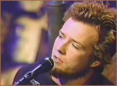 Scott Weiland during MTV Unplugged