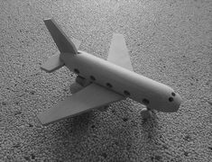 Tolles Spielzeug aus natürlichem Buchenholz Fighter Jets, Unfinished Wood, Awesome Toys, Woodworking Toys, Crafting
