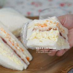 먹자마자 중독! 인기가요 샌드위치만들기 ⓦ 스누퍼 수현 레시피 : 네이버 블로그 Chicken Nuggets, Korean Food, Kimchi, Sandwiches, Cooking Recipes, Ice Cream, Cheese, Baking, Sweet