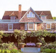 Martha Stewart's house in the Hamptons:  Lily Pond Lane