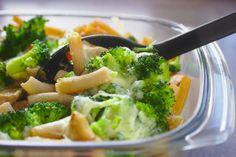 Zapiekanka makaronowa z kurczakiem i brokułami   Słodkie Gotowanie Broccoli, Food Porn, Food And Drink, Vegetables, Recipes, Diet, Veggies, Rezepte, Vegetable Recipes