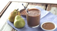 This Energizing Chocolate-Pear Smoothie Is the Perfect Way to Start the Day