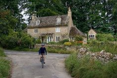 Quenington | would like to be in such a place!