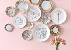 plates on wall.use my wedding guest book idea of writing on plates and then display in the dining room! Wedding Guest Book, Diy Wedding, Wedding Ideas, Wedding Dinner, Wedding Wishes, Nude Colors, Colours, Pantone 2016, Decoration Entree