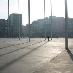 Le Theaterplein, l'une des plus grandes places d'Anvers, est le porche du théâtre Stadsschowburg. Suspendu à une hauteur de 15 mètres, son plafond est cons