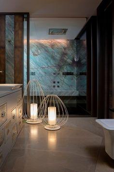 Karman illumina il bagno