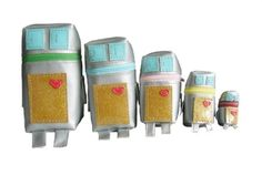 "Modern Parents Messy Kids: I love the ""Russian Doll"" Robots! I'm sure I could wing a pattern for this."