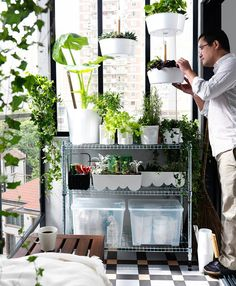 Mehr Grün für dein Zuhause! So stellen wir uns einen Treffpunkt im Grünen vor. Mehr erfahren bei IKEA!