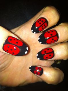 Kate Thielen, Mahalo Spa, Helena, MT..I thought this was a beautiful and unique nail art! i love the nail polish...so artistic!