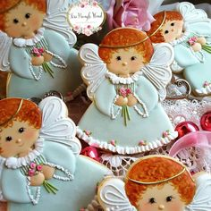 Adorable kitty cutter from ❤ Gourmet Cookies, Fancy Cookies, Custom Cookies, Cupcake Cookies, Christmas Sugar Cookies, Christmas Gingerbread, Christmas Themed Cake, Angel Cookies, Baptism Cookies